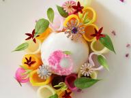 ダミアーニの華やかなジュエリーの世界を料理で表現。シャングリ・ラ ホテル 東京「ピャチェーレ」に特別コラボメニューが登場