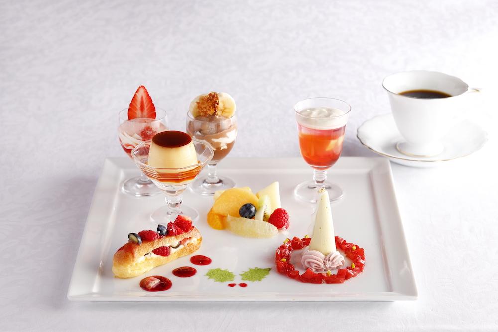「12月の資生堂パーラー物語」(コーヒーまたは紅茶のカップサービス付)¥2,268