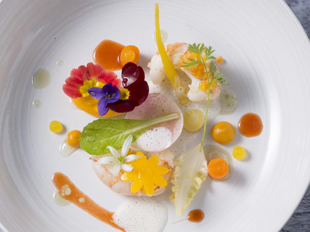 オランダのスターシェフ、「De Leest」のヤコブ・ヤン・ボエルマは4月25日(木)〜30日(火)まで登場。「良質の素材が料理の成功の鍵」と確信する彼が、日本の素材をどう料理するかに注目が集まる。