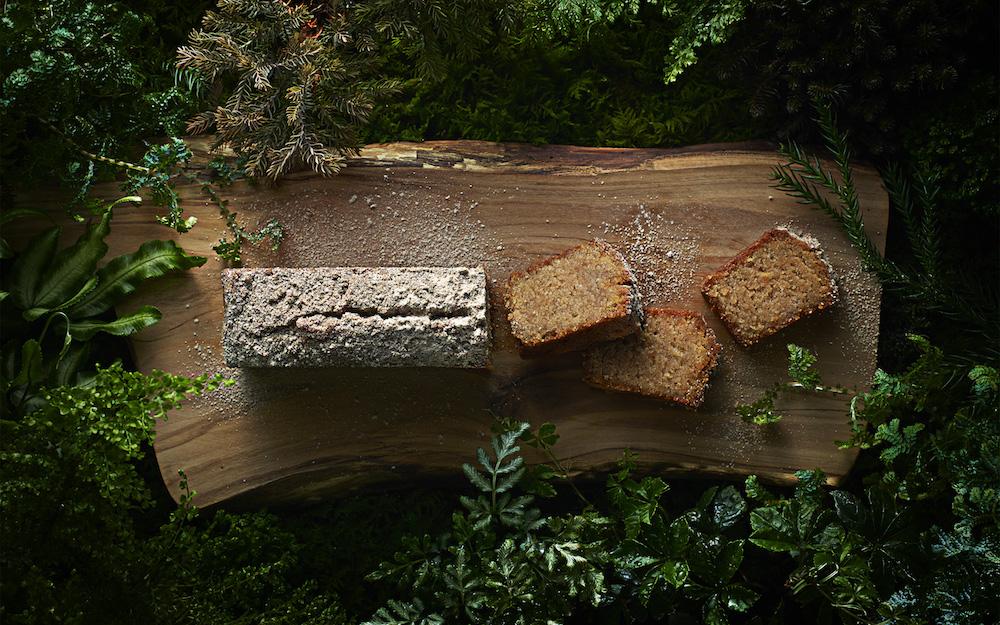 「Eatree Cake 〜木から生まれたケーキ〜」 1本(300g)¥3,398、LIFULL Tableでのイートイン:単品¥500、 ケーキ+ドリンクセット ¥704