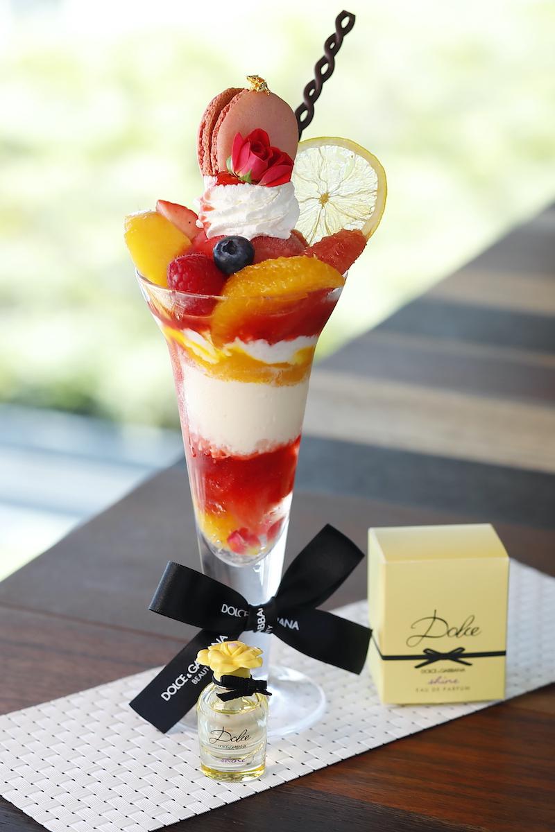 """9月29日(火)~10月11日(日)「ブラッドオレンジのエキゾチックパフェ with """"DOLCE&GABBANA BEAUTY""""」¥1,800"""