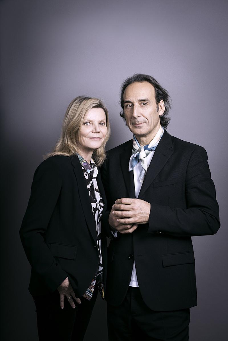 アレクサンドル・デスプラの公私ともにパートナーであるソルレイ(ドミニク・ルモニエ、左)がアレクサンドル・デスプラの公私ともにパートナーであるソルレイ(ドミニク・ルモニエ)