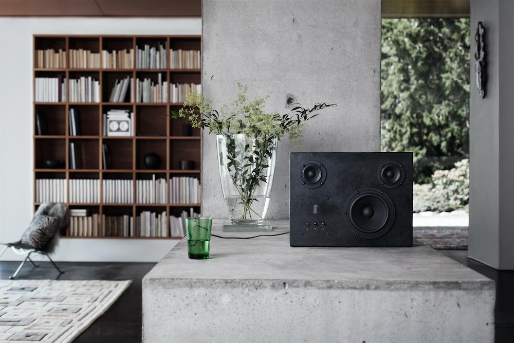 GINZA SIX限定「ザ アップクラフテッド コレクション」のひとつ「Steel Speaker」¥300,000