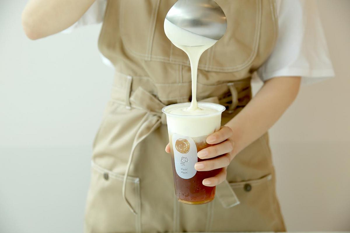塩味の効いた濃厚なチーズクリーム(チーズキャップ)が台湾茶の上品でふくよかな香りを閉じ込める。