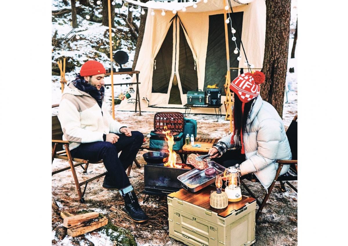 スパイス類もグッズ類もひとつにまとめられれば、キャンプ料理がさらに楽しくなること必至。