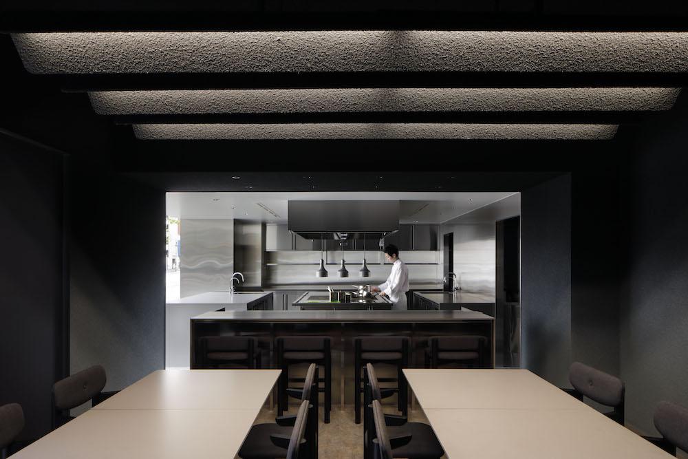 厚東創氏ディレクターを務める少数精鋭の料理人集団による実験的キッチン空間「nôl」。