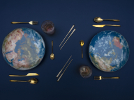 テーブルの上に宇宙空間が広がる!ディーゼルリビングとセレッティのコラボ「コズミック ダイナー」に新作が登場