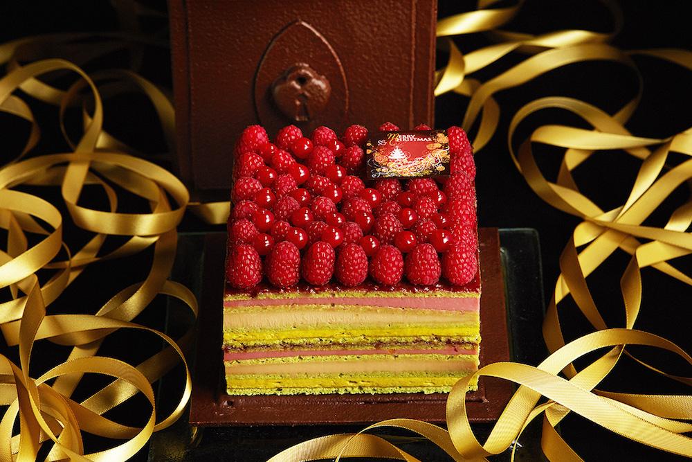 「シークレットチョコレートボックス」(W17×D17×H16cm)¥35,000 ※予約限定