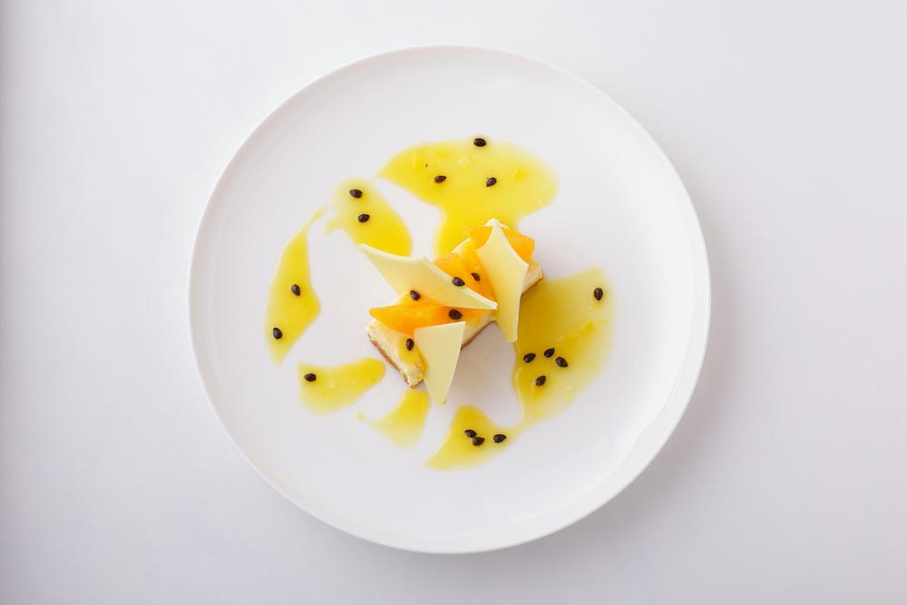 オレンジとパッションフルーツのチーズケーキ ¥1,111