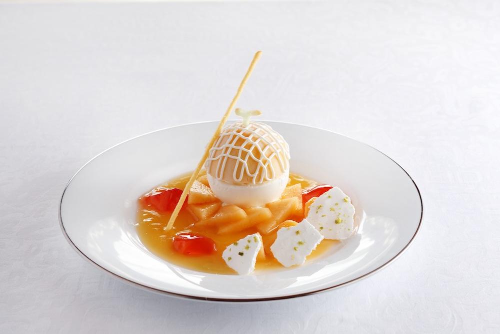 「北海道産夕張メロンのババロア(コーヒーまたは紅茶付)」 ¥1,833 ※写真はイメージ