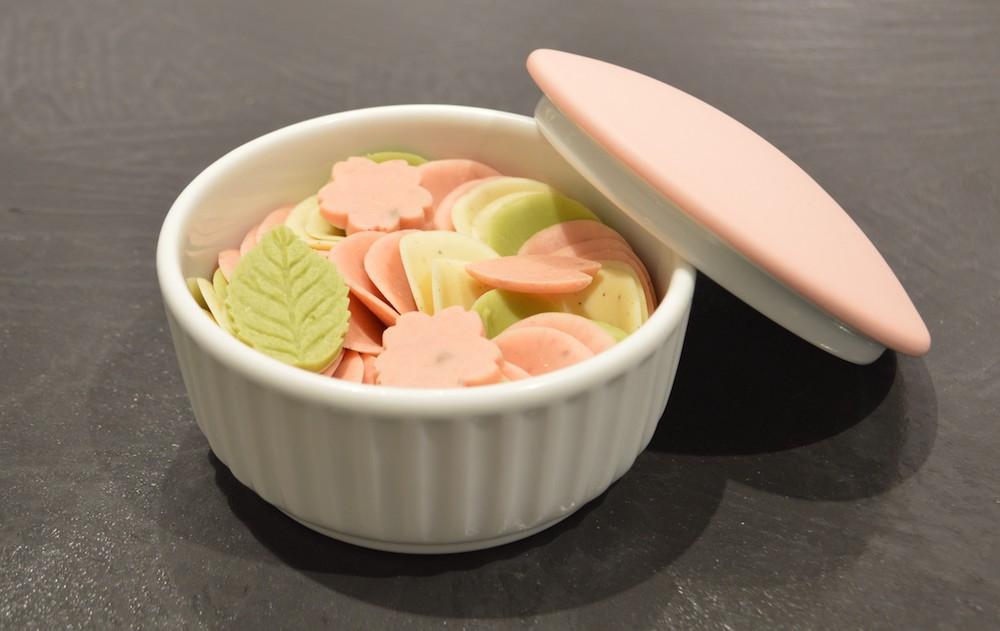 「ペタルチョコレートとカラーボンボニエール 灰桜色 」¥10,000