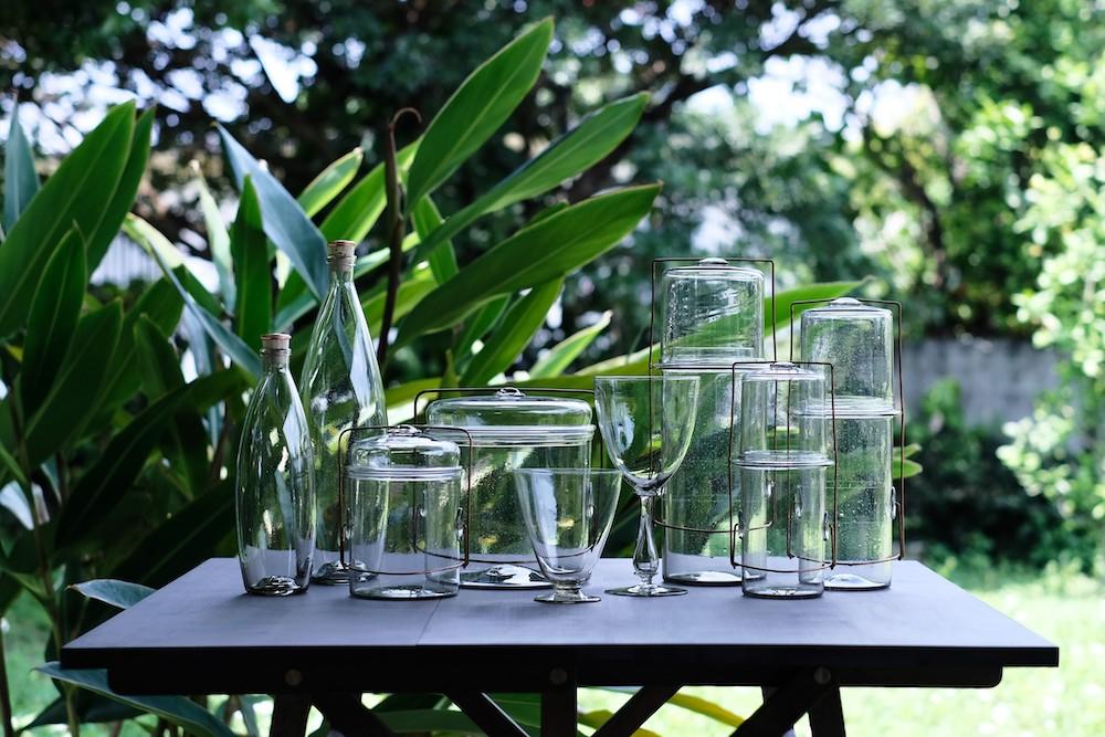 ピーター・アイビーのガラス器は常に人気。売り切れ必至につき、入荷情報などはフェイスブックやインスタグラムでチェックを。