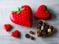 真っ赤な苺のボックスの正体はホワイトチョコレート! ヒルトン東京のバレンタインチョコレート&スイーツ