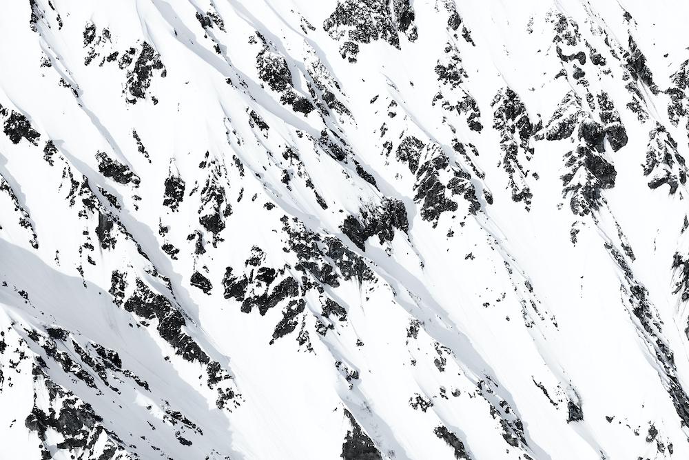 SNOW MOUNTAIN #01 / LAND © 2020 Mikiya Takimoto