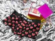 ディーゼルのバレンタインギフトは今年もアンダーウェアとのセットが人気!? カフェにはバレンタインメニューが登場