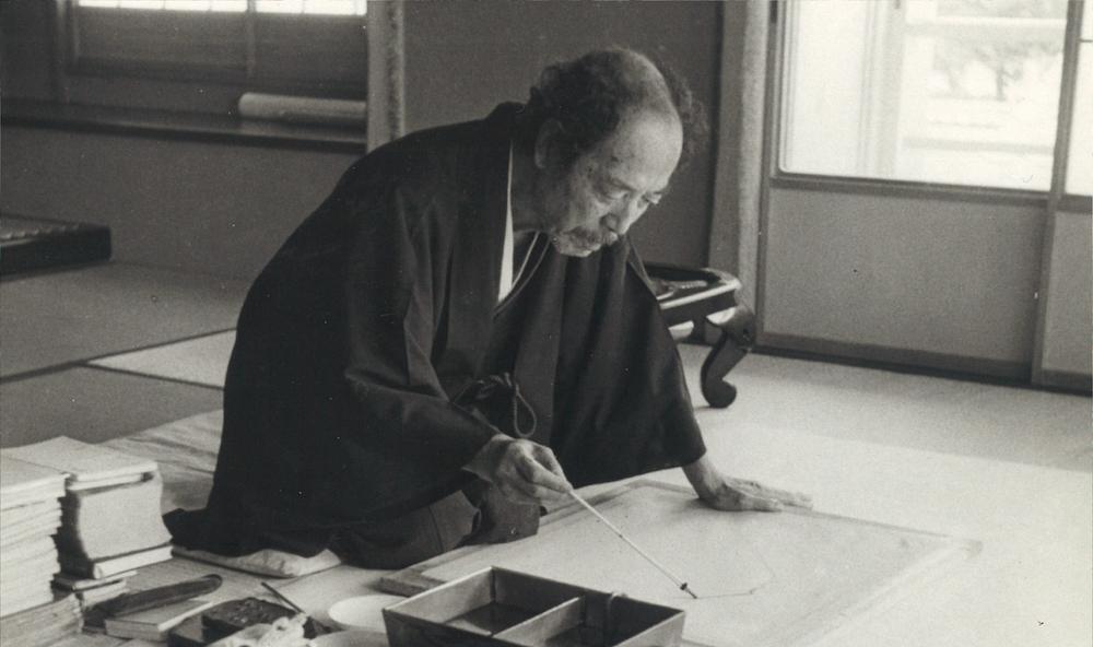 昭和29年(1954年)、画室での横山大観。その人間性に惹かれ、自邸には多くの文化人らも出入りした。