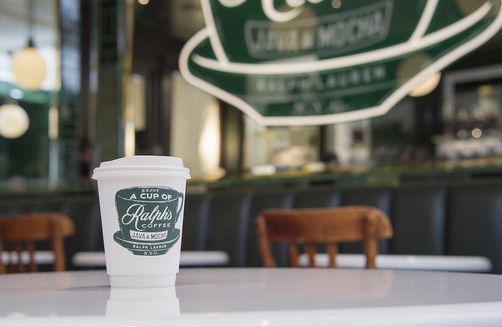 コーヒーはテイクアウトも可。「ラルフズ ドリップ コーヒー」¥500