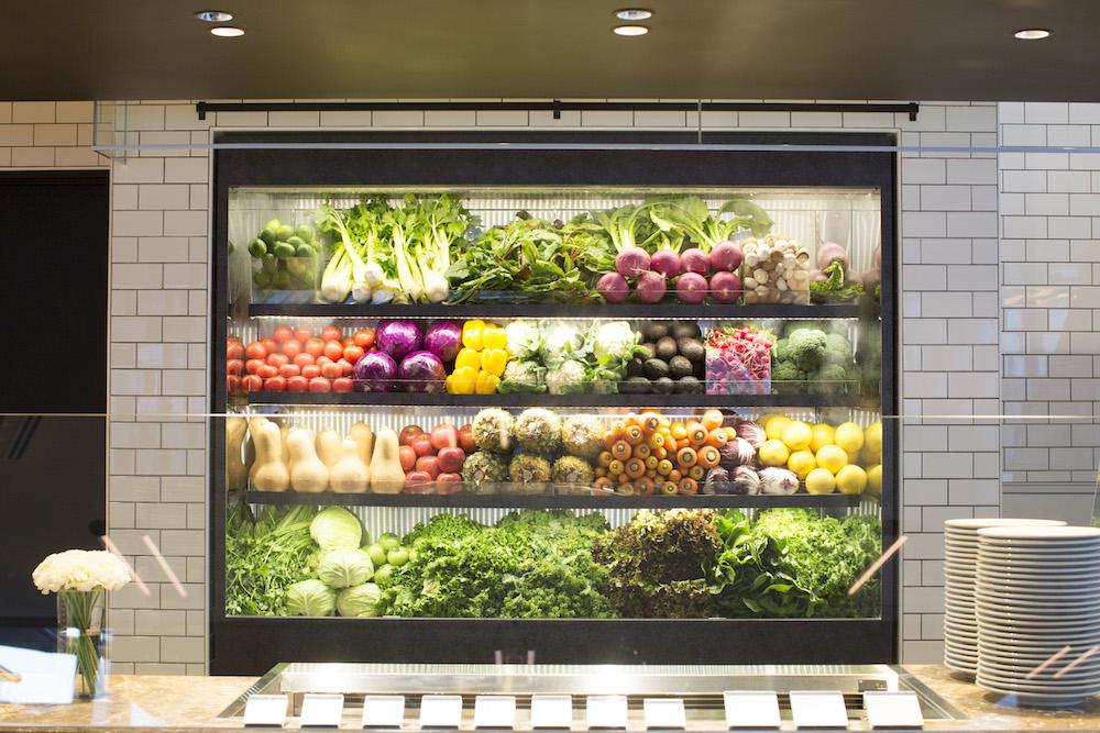 シティショップは「いろんな野菜を、もっと美味しく、もっとデイリーに食べる」をテーマにしたデリカテッセン。たっぷりの野菜と魚や肉、スーパーフードやスパイスなどを掛け合わせたデリには定評がある。