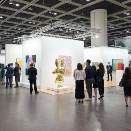 世界有数の現代アートフェアなどが香港で復活。オンライン参加でアートの熱気に触れる
