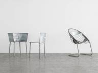 コム デ ギャルソンの川久保玲が手がけた貴重な椅子が一堂に。「川久保玲(COMME des GARÇONS)」の椅子展、LICHTにて開催