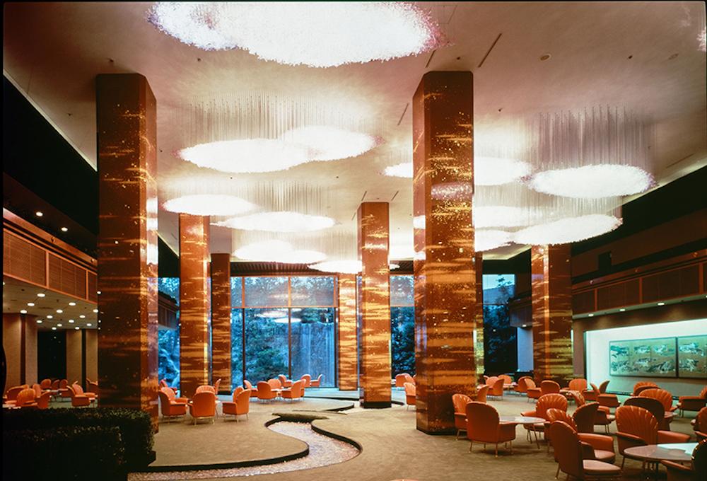 吉田五十八 「ロイヤルホテル メインラウンジ」1973年 大阪 画像提供:株式会社竹中工務店