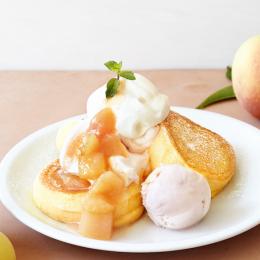 桃づくしのパンケーキで贅沢なひとときを。「FLIPPER'S」の夏限定パンケーキ