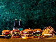ニコライ・バーグマンがデンマークスタイルのバーガーを提案。「Bergmann Burger」が期間限定オープン
