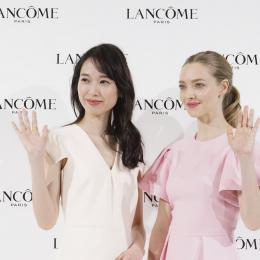 アマンダ・サイフリットと戸田恵梨香が、ランコムの新製品発表会で美の共演!