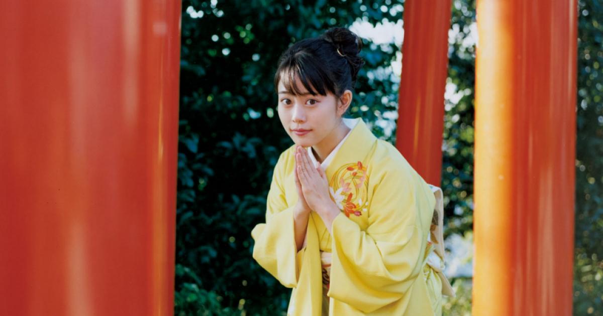 SPUR | 日本発信のファッショントレンド情報サイト 高畑充希と、開運づくしの新春詣で