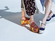 お気に入りの靴でステップを