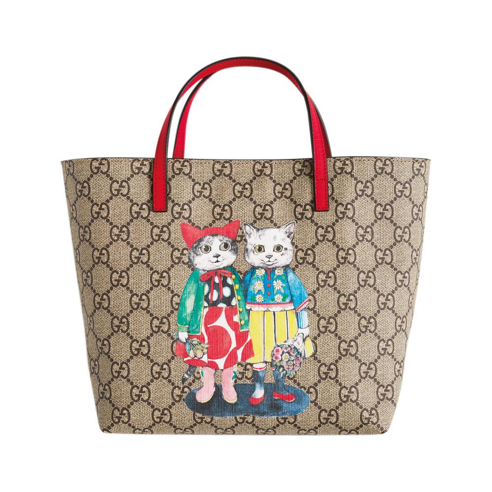 鮮やかな赤のハンドルをきかせて。バッグ〈H20×W21×D10〉¥53,000