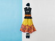 P5 プリントT× 刺しゅうスカートで元気な南米スタイル