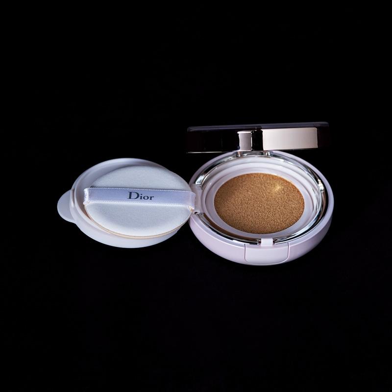 Dior カプチュール トータル ドリームスキン クッション ¥8,500(セット価格)/パルファン・クリスチャン・ディオール