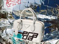 【ロゴマニア大賞】PRADAのトップハンドルバッグ