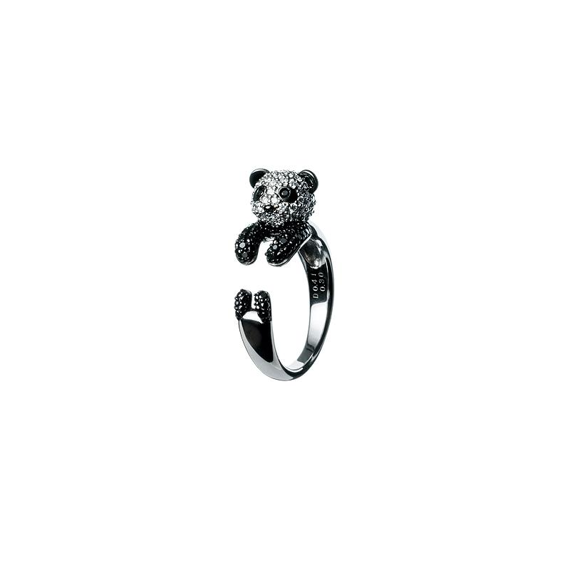 リング〈WG、ダイヤモンド、ブラックダイヤモンド〉¥309,000/ポンテヴェキオ