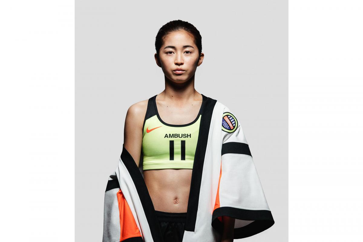 Nike x AMBUSH® ジャージ ¥18,900、ブラ ¥6,480/ナイキ カスタマーサービス
