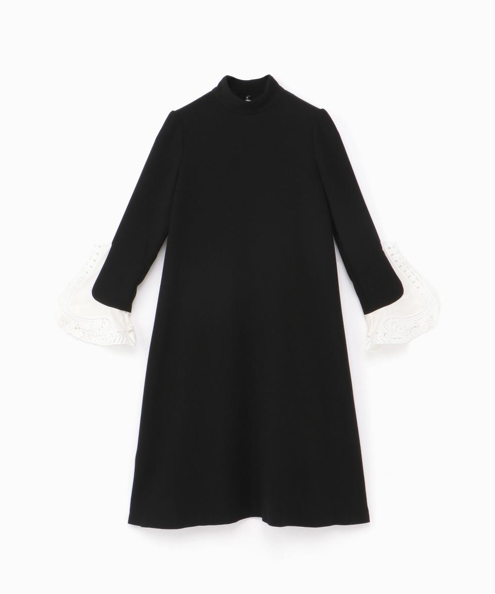 ブラックドレス(ウィメンズ)¥64,000/伊勢丹新宿店(マメ)