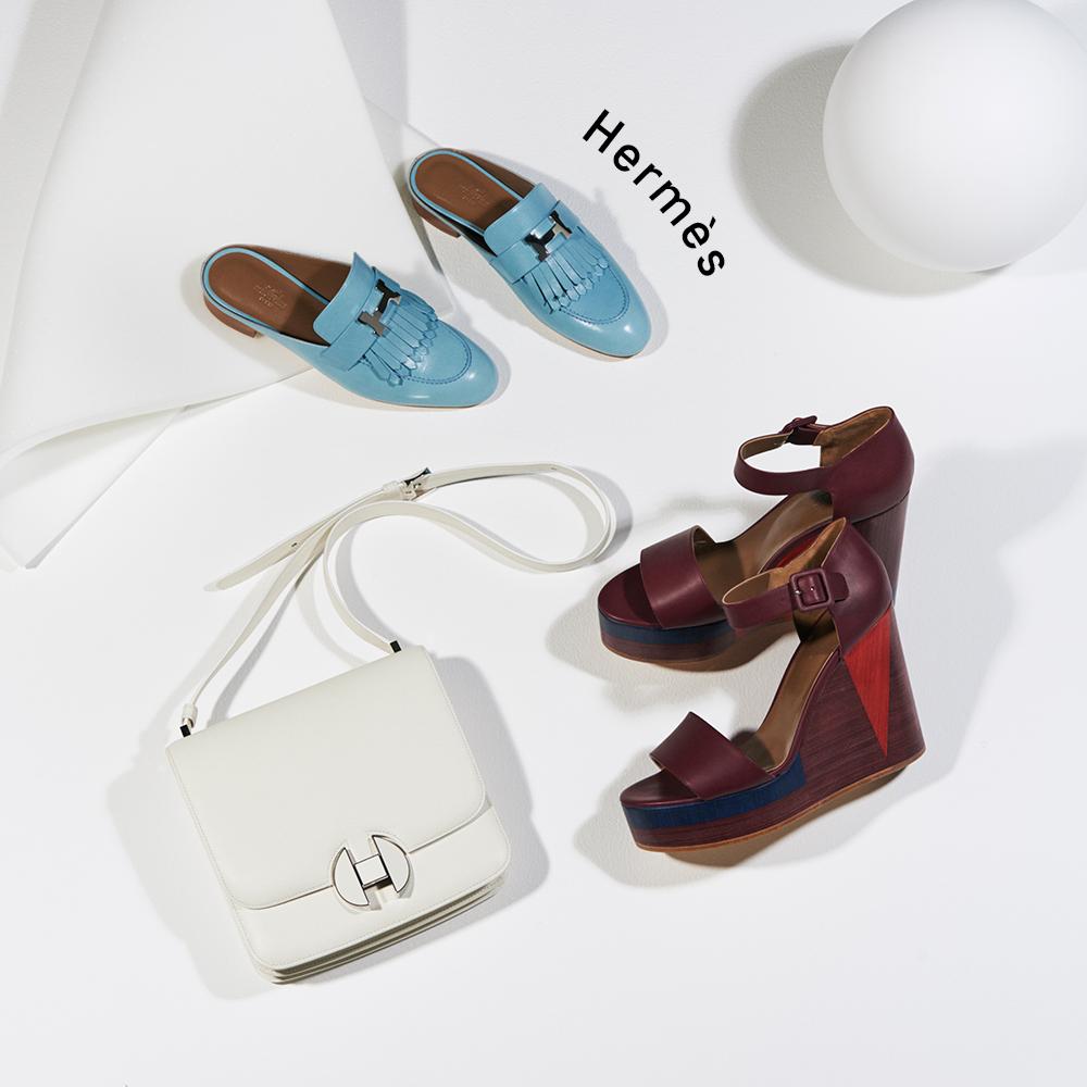 (右から時計回りに)サンダル(ヒール9cm)¥115,000、バッグ「エルメス2002」(H19×W20×D5cm)¥1,170,000、シューズ(ヒール1㎝ ※実寸)¥138,000