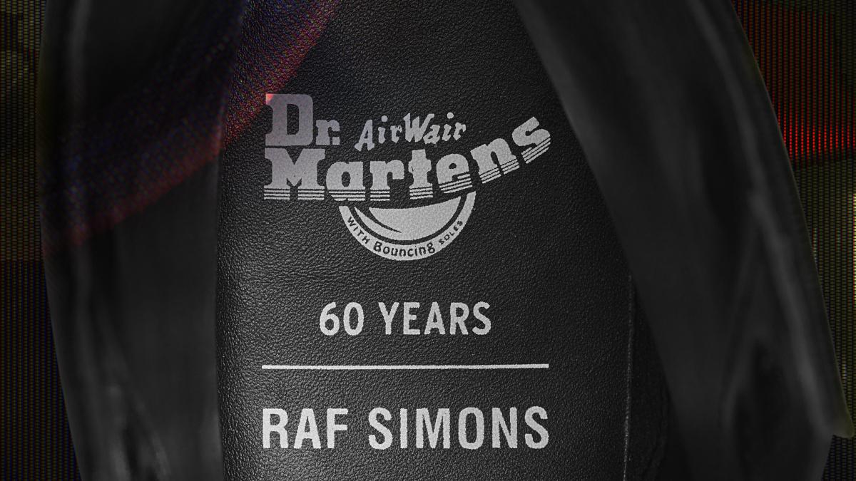 1460 RAF SIMONS 8EYE BOOT ¥49,000/ドクターマーチン・エアウエア ジャパン