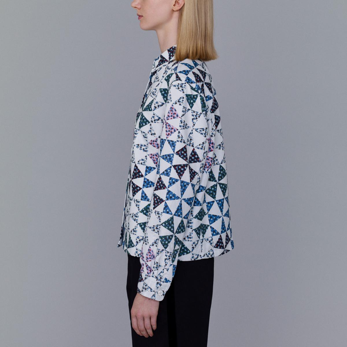 フラワープリントシャツジャケット¥3,990/ジーユーカスタマーセンター(KIM JONES GU PRODUCTION)
