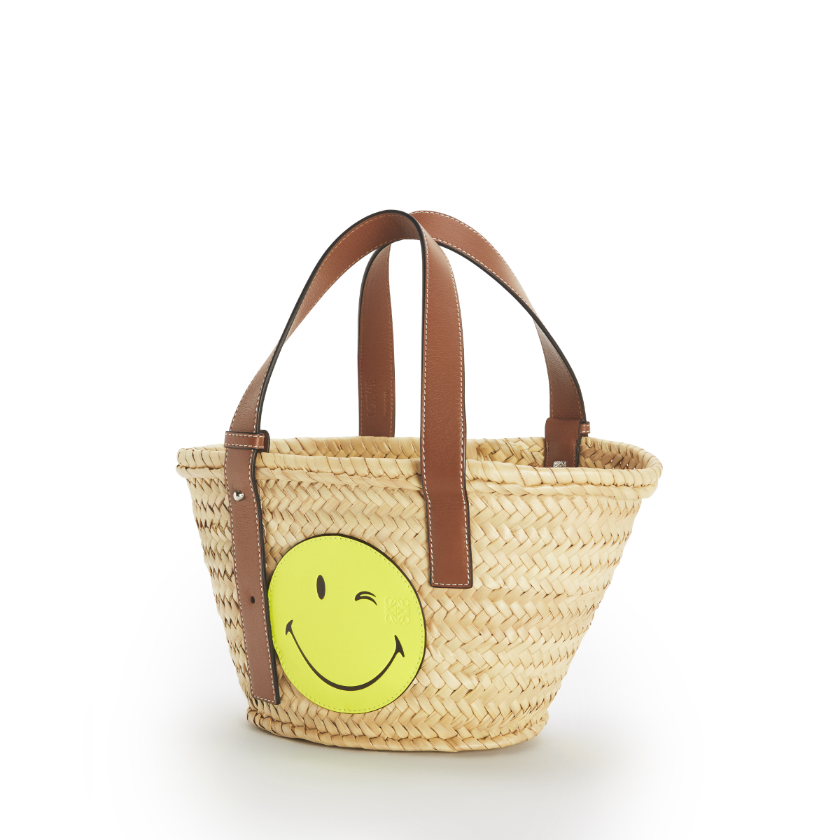 PAULA BASKET SMILEY WINK S BAG(W33×H17×D13cm)¥57,000 ※オンライン限定/ロエベ ジャパン クライアントサービス LOEWE Paula's 2020 featuring SmileyWorld®