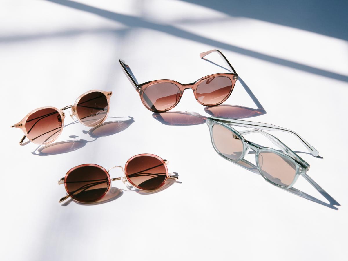 「コスメティックメガネ」(360°UVカット薄型標準レンズ付き)¥28,000/オンザヒル(グラッサージュ)