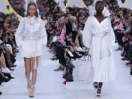 ヴァレンティノが、クチュールの本質をホワイトシャツに取り入れたプロジェクト「ルブラン」をスタート!