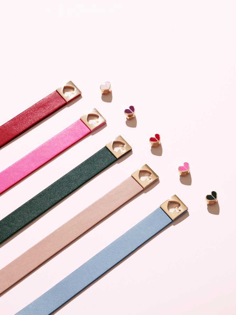 カラー展開:グリーン(意味:バランス)、ピンク(意味:ラブ)、ブルー(意味:ピュア)、パープル(意味:運)、レッド(意味:勇気)