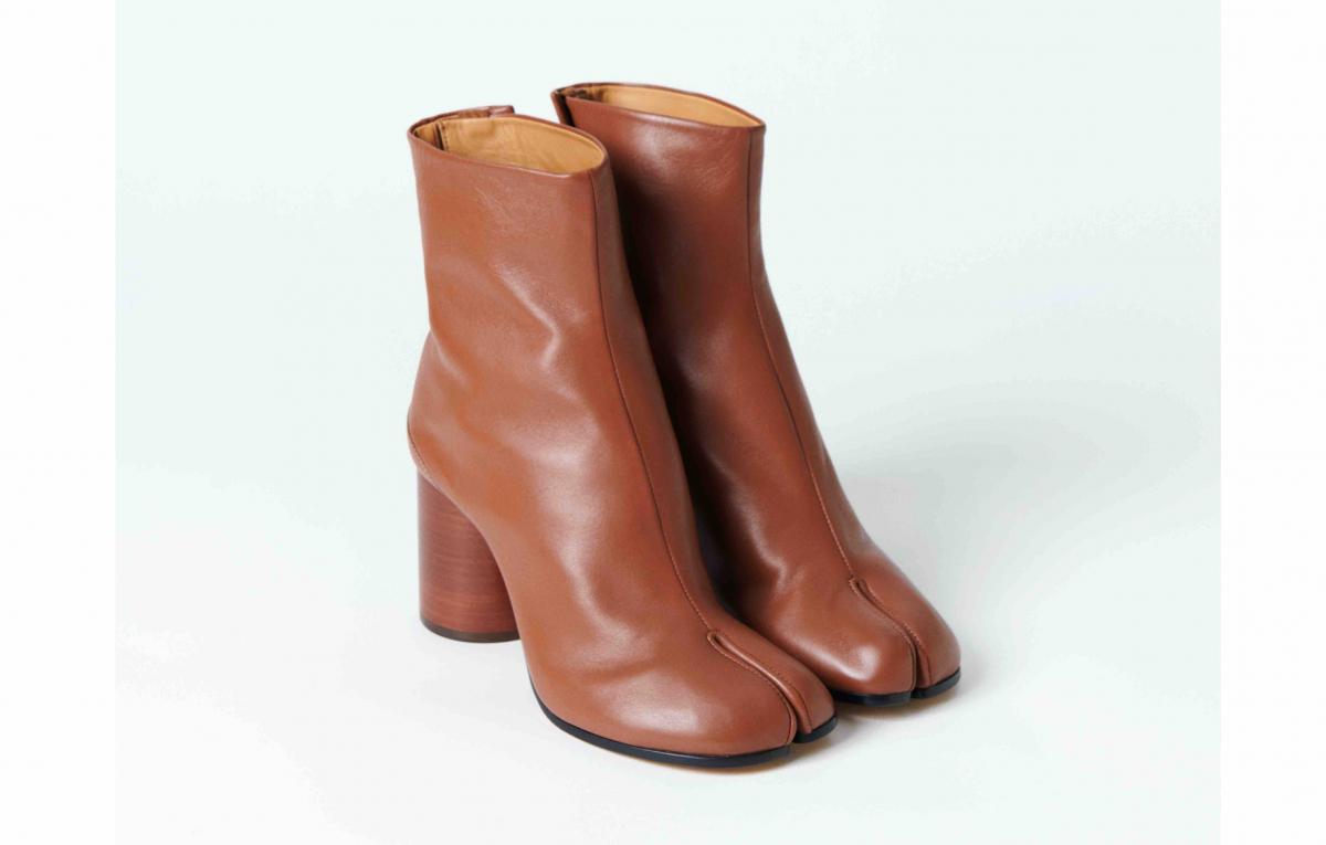 「タビ」ブーツ(H8cm)¥160,600(※リミテッド・エディション)/メゾンマルジェラ