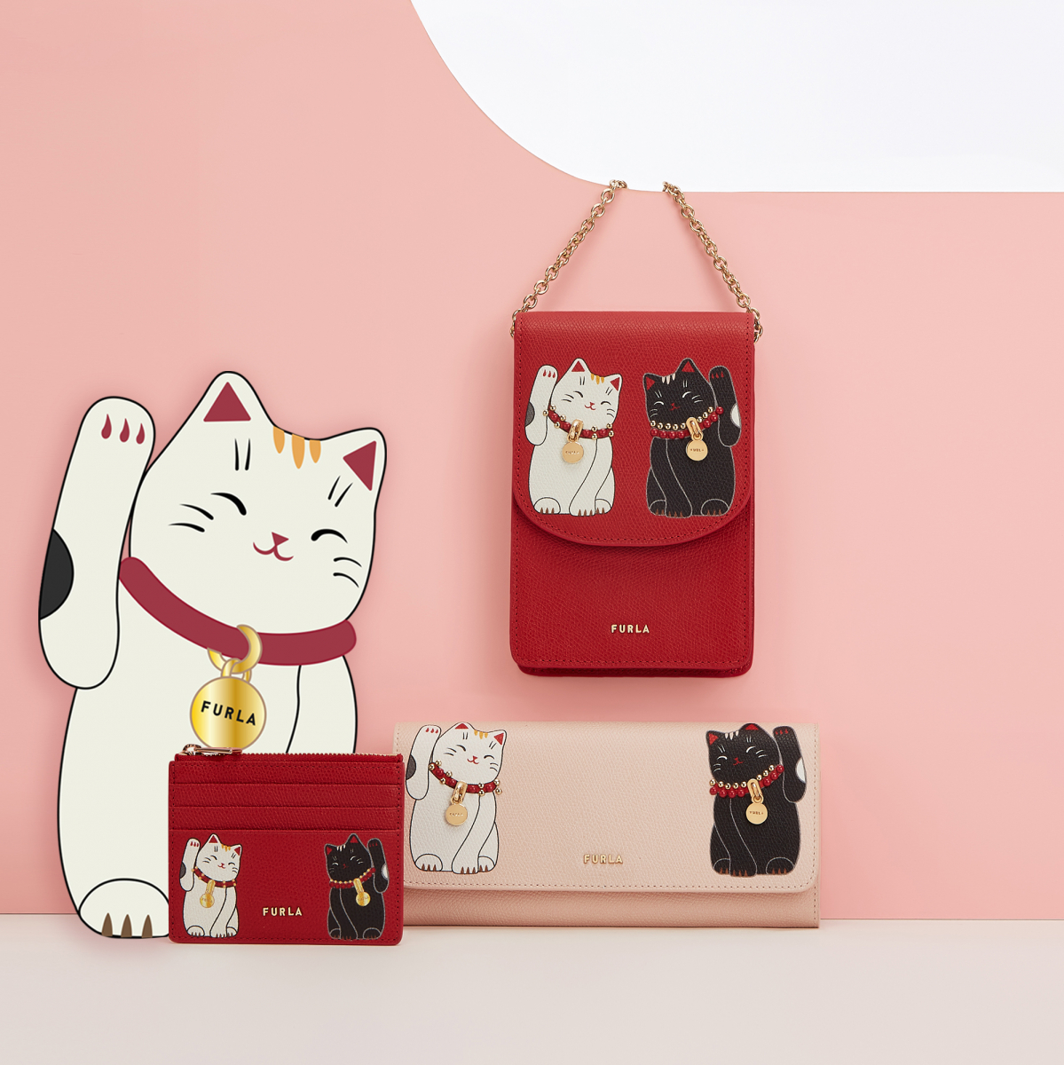 FURLA LITTLE CATS MINI CROSS BODY(H13.5×W17×D7cm)¥49,000/フルラ ジャパン  FURLA LITTLE CATS PHONE HOLDER(H17×W11cm)¥35,000/フルラ ジャパン  FURLA LITTLE CATS CARD CASE(H8×W10.5cm)¥16,000/フルラ ジャパン  FURLA LITTLE CATS CONTINENTAL WALLET(H9.5×W19.5cm)¥35,000/フルラ ジャパン