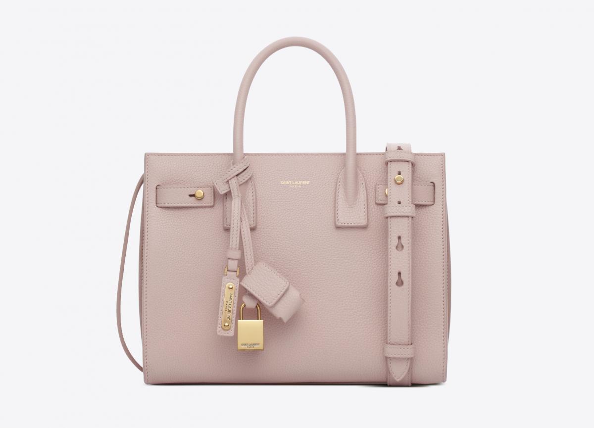 バッグ ¥315,000(日本限定)