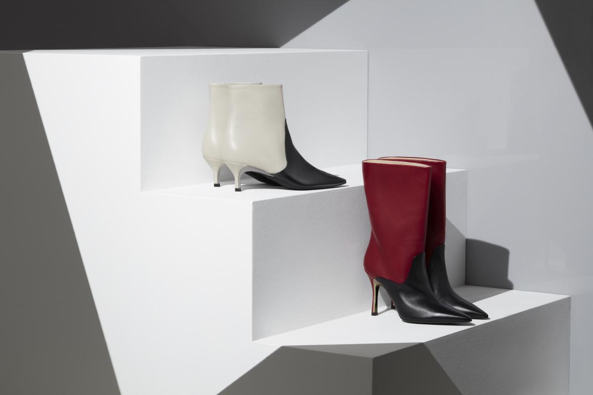 (上から)ショートブーツ ¥44,000、ミドル丈ブーツ ¥52,000/フルラ ジャパン