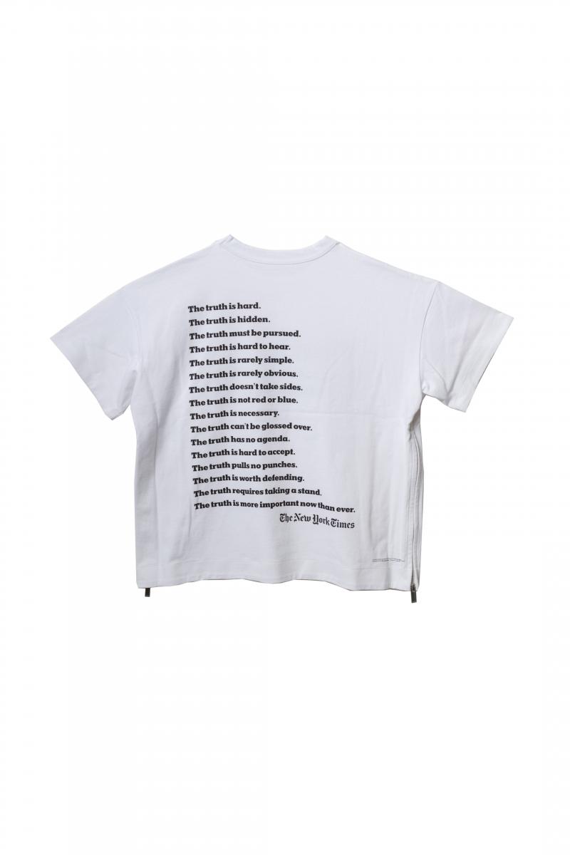 ウィメンズTシャツ(バック)¥25,000/sacai