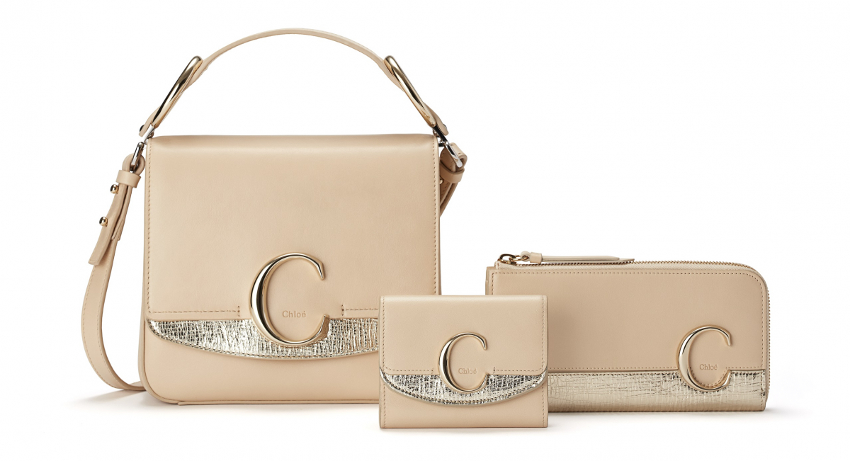 「Chloé C」(左から)Small square bag(H19×W22×D8cm)¥213,000、Small tri-fold wallet (H9×W11.2×D3.5cm)¥48,000、Zipped long wallet(H11×W19×D3.5cm)¥63,000 ※すべて日本限定/クロエ カスタマーリレーションズ